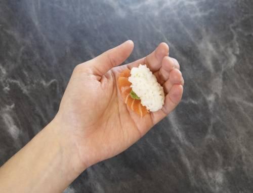 """¿SABÍAS QUE… … el sushi de salmón es un """"invento"""" noruego?"""