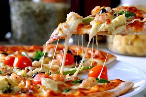 Tamaño familiar y de jamón y champiñones: así es la pizza favorita de los españoles