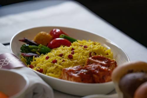 Qatar Airways presenta su primera selección de platos gourmet 100% veganos para clientes de Clase Business