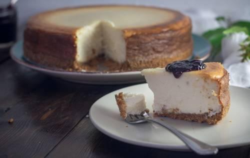 Tarta de queso con mermelada extra de arándanos Helios, ¡un regalo para el paladar!