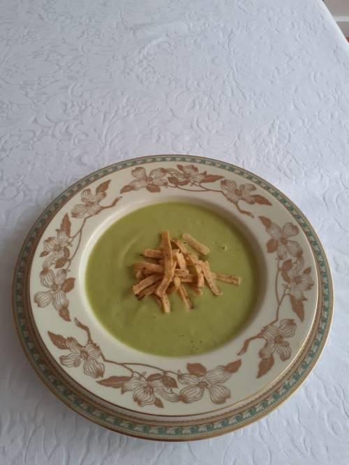 Sopa Fria de Aguacate