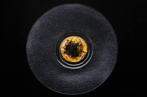 Mousse Uni-No Shiokara Chips de Yuca Crujientes y Secos de Algas Hijiki   Mariscos   Tubérculos