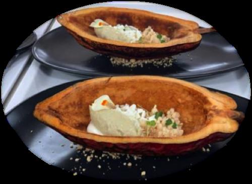 Helado de Batata acompañado de un Cremoso de Vainilla Crunch de miel, Tierra de Canela y Yogurt liofilizado