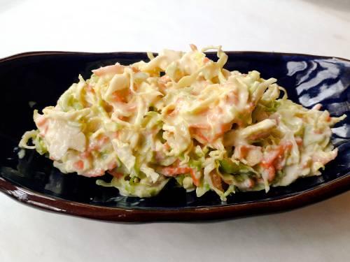 Ensalada Coleslaw Bonsái y Vegana: Coles de Bruselas, Zanahoria, Mayonesa Vegana, y Yogur de Soja