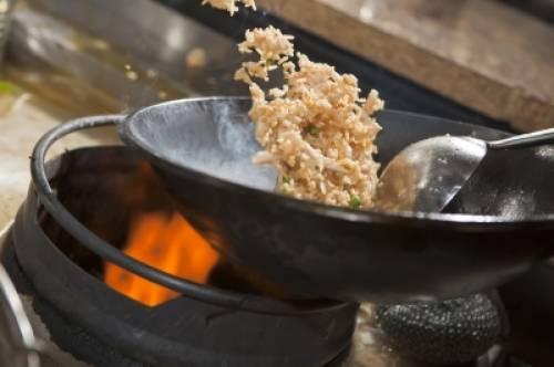 El wok ya es todo un básico en la cocina