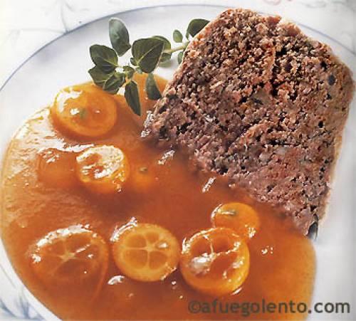 Paté de campaña con chutney de naranjas chinas y melocotón