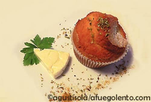 Magdalenas semintegrales de queso y finas hierbas | Tapas, canapés, aperitivos y bocaditos