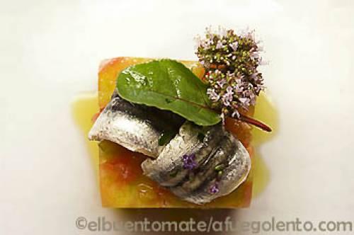 Tomate de Huesca, boquerones marinados y aceite de oliva | Pescados Verduras y hortalizas