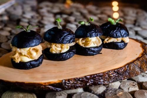 Bocadillo de Calamares en Pan de Tinta | Bocadillos y Sándwiches | Moluscos