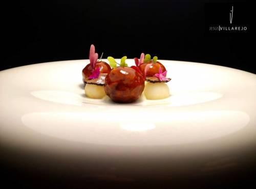 Albóndigas glaseadas de pato, apionabo y trufa