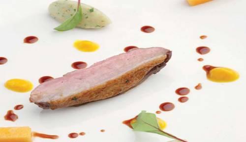 Receta Pato Glaseado con Licor de Palo de Mallorca y Especias, Jugo de Calabaza y Patatas a la Mostaza