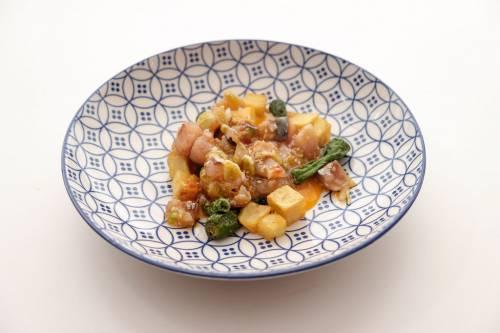 Zorza (cruda!)de albacora con sus patatitas, pimiento y huevo