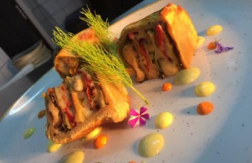 Mussaka de Berenjena, Tomate seco y Patata con perlas de sabores David AGUADO