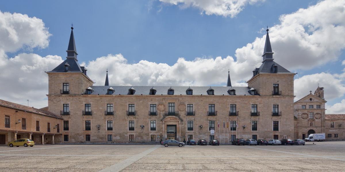 El impresionante Palacio Ducal, actual Parador de Lerma.