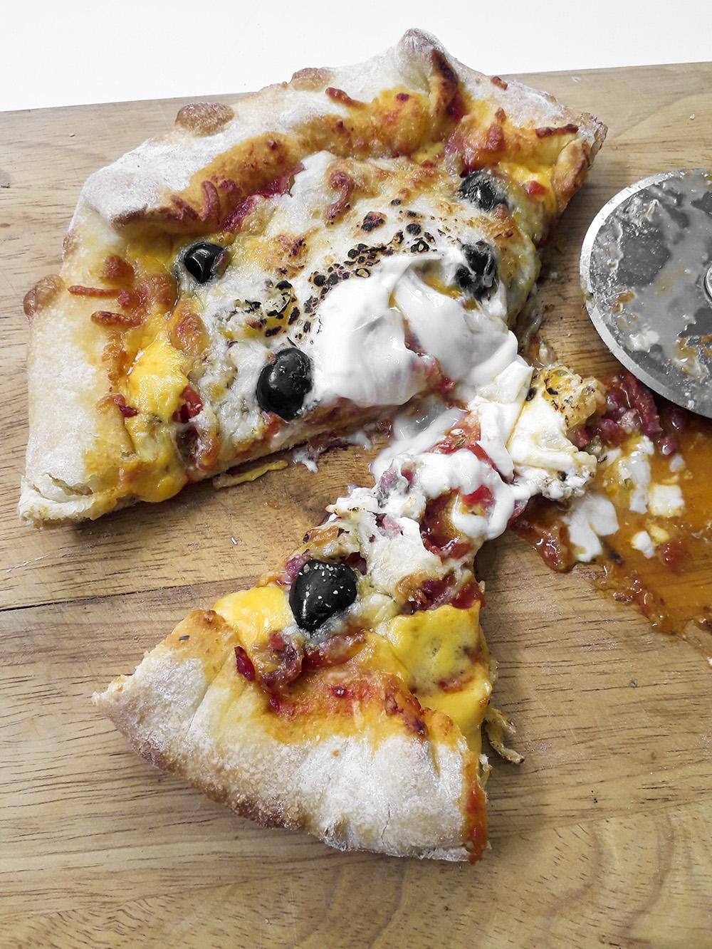 Receta Pizza Mi Estilo Bordes Rellenos Queso Koldo Royo Afuegolento P2