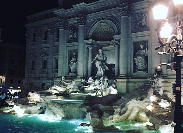 La Fontana di Trevi ENIT Turismo Italiano Afuegolento