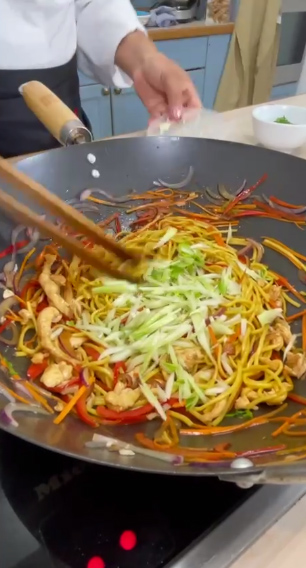 Receta Tallarines Chinos Pollo Verduras Ye Sheqian Afuegolento 4